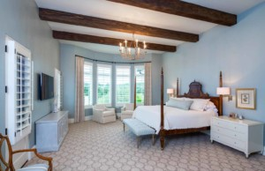 Neo-Mediterranean bedroom