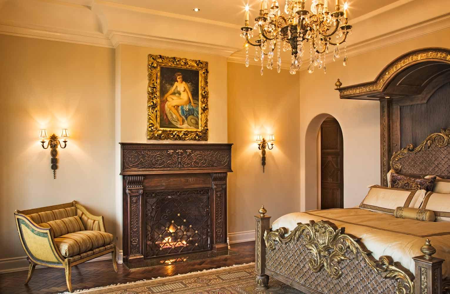Italian Villa bedroom