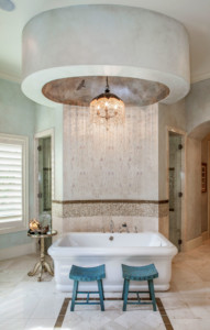 Lakeside Mediterranean style bathroom