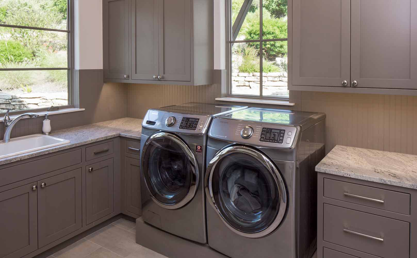 Texas farmhouse transitional laundry