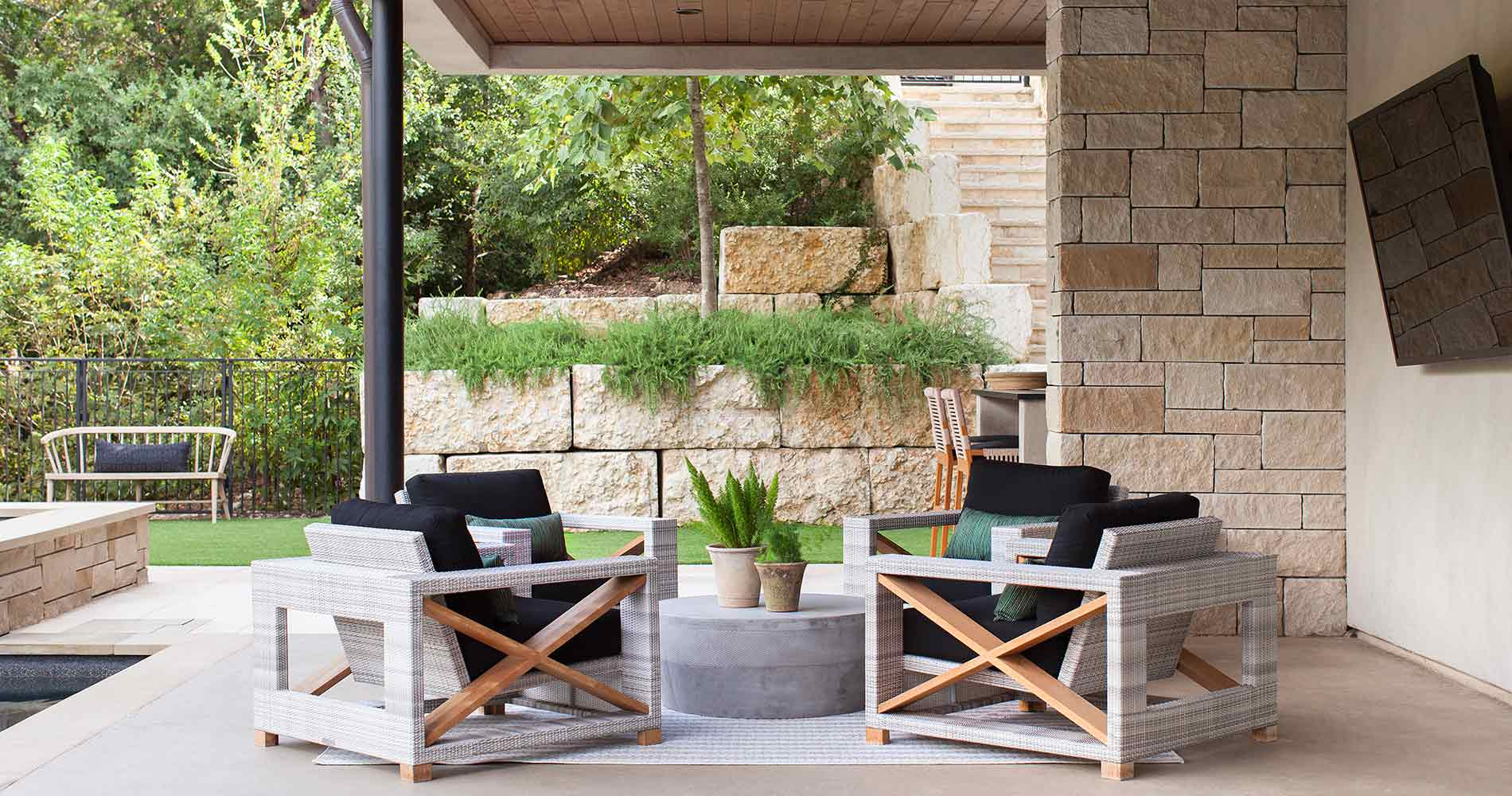 Hill Country Contemporary patio